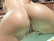 Randy Moore plays with her huge pussy lips a perfect ass