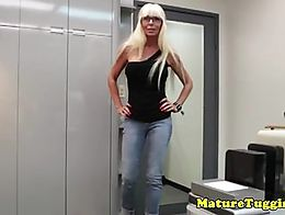 Bigtitted mature Kasey Storm jerking pov for this lucky guy in office