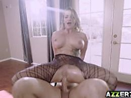 Seductive babe Cali Carter hot anal fucking session