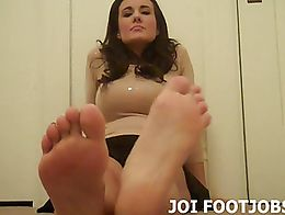 I bet you want to suck on these toes. I know how much you love feet, so don't even bother tryin...