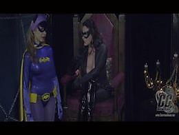 Catwoman Mesmerizies Batgirl