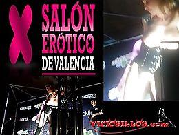 Show de la actriz porno Sophie Evans follando con el Potro de Bilbao en el Salón erótico de V...