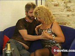 6-movies.com - Reifes Paar blasen und haarige Muschi lecken -