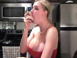 Hot Amateur Deepthroat Dildo