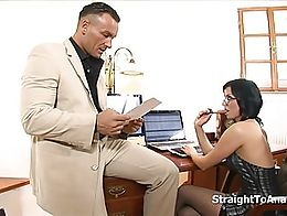 Renata Black is one stubborn and lazy secretary but she is certainly talented in offering her t...