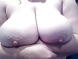Busty amateur british wife Big bouncing boobs, jiggling tits , heavy hangers, wife showing off ...