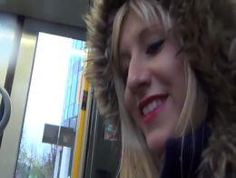 Public Strassenbahn Handjob