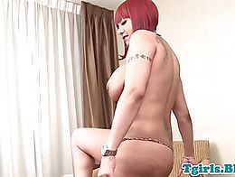 Ebony redhead trans with curvy body and bigtits tugging solo