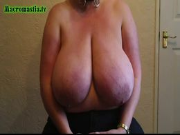 Macromastia Tits