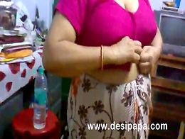 Amateur Mature Indian Bhabhi Changing BigTits Exposed