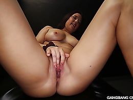 She took 6 loads of cum in her pussy and the 7th guy finished off on her pretty face. If we inv...