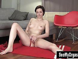 Tall amateur babe Tegan masturbating her slit on the floor