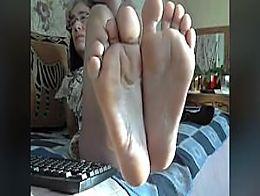 French Granny pieds parfaits dans le visage Aucun son