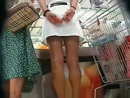Hot Upskirt in Supermarket