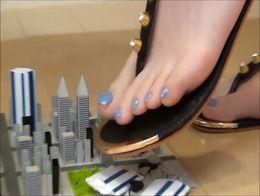Cute Asian giantess crushes micro city~