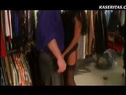 Follando a un a hermosa mujer en la tienda by w