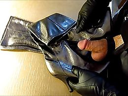 Fun with leather, cum on bottom of boots