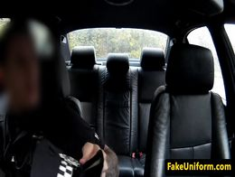 Police man anal fingers blonde slut in car before fucking her pussy