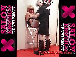 Nora Barcelona y RatPenat follando para su webcam en el Salón erótico de Valencia 2013
