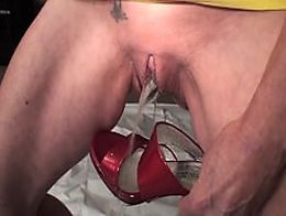 Sucking pussy dipped cock