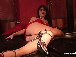 Leonie Lasalle´s first appearance at Spermastudio. Full of blow jobs, fucking, cumshots and so...