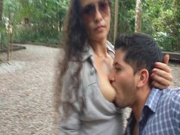 image Chicasloca picante sexo joven en publico espagnol