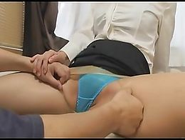 Computer instructor women appear in sex videos! A 32 - year - old female instructor told the ma...