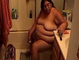 Alma p smego from fox lake illinois showing off her fat naked blubbery...