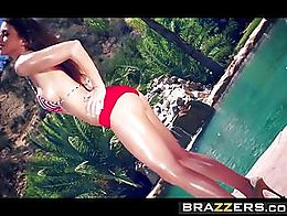 Brazzers - BrBig Wet Butts - Hot Tub Titty Rub scene starring Brooklyn Chase and Keiran Leeazze...