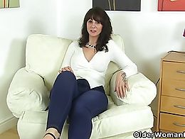 Queen of Scotland Toni Lace peels off her jeans and slides her fingers into her wet pussy
