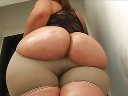 OILED UP ASS LIFT STOCKINGS