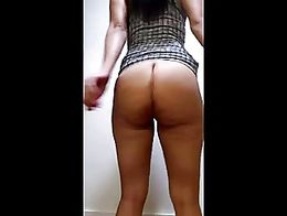 Ebony Babe Twerking Her PHAT ASS