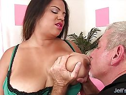 Sexy plumper gets her tits sucked Kissed on her ass and belly Then she gives a nice blowjob And...