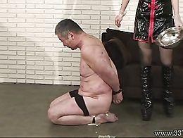 Japanese mistress Mayumi Asou facesitting and male slave spawning like a sea turtle.
