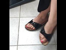 Die geilen Füße haben so krass und intensiv gerochen das ich den Geruch während dem Video ma...