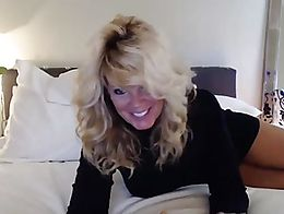 Lovely MILF loves to tease and play on cam.