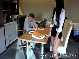 Jessierews blowjob threesome Bella knows how to convince him not to!